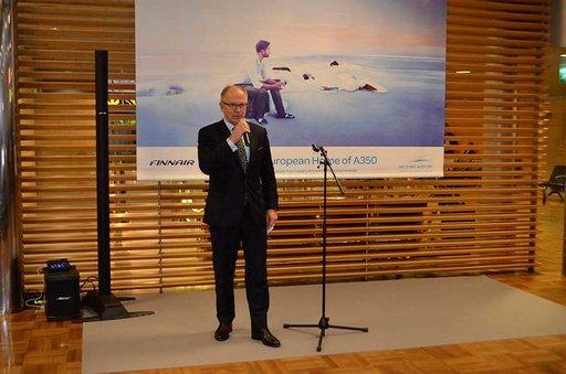 Toimitusjohtaja Pekka Vauramo uskoo Finnairin lähtevän nousuun uusien koneiden myötä.