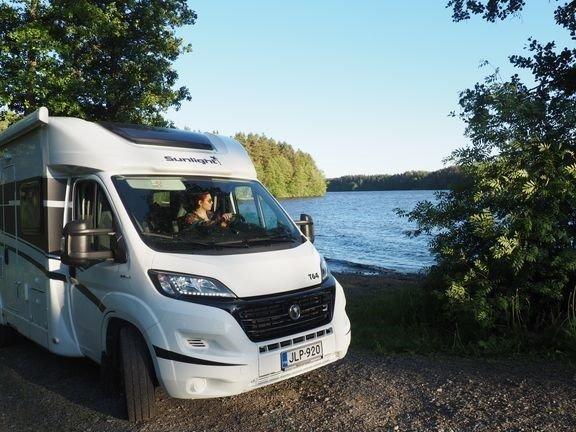 Matkailuajoneuvojen Airbnb<br /> alkaa nyt myös Suomessa