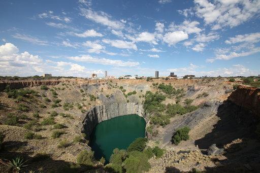 Matkalla Kapkaupungista Pretoriaan pysähdytään Kimberleyn timanttikaivoksella.