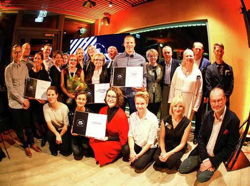 Tässä kaikki palkitut, kolme varsinaista Helsinki Travel Awardia ja kunniamaininta ulkoministeriölle, joka kahdessa viikossa pisti pystyyn presidenttien huippukokousta varten Happy Press Centerin Finlandia-taloon ja osoitti, että kyllä meillä osataan.