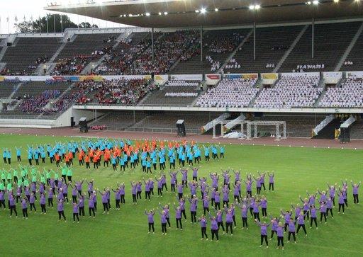 Olympiastadionilla nähty Norjan Moving Together - esitys sisälsi tarkkoja kuvioita alusta loppuun.