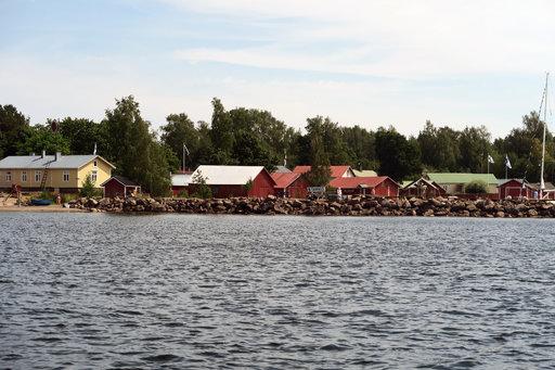 Tammion saaressa asutaan nykyisin vain kesäisin, vaikka saari on ollut osa Haminan kaupunkia jo kohta kaksi vuosikymmentä. Idyllinen esikaupunki, siis!