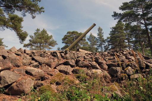 Ulko-Tammiosta käsin Suomea on puollustettu voimalla, ja sota on jättänyt jälkensä.