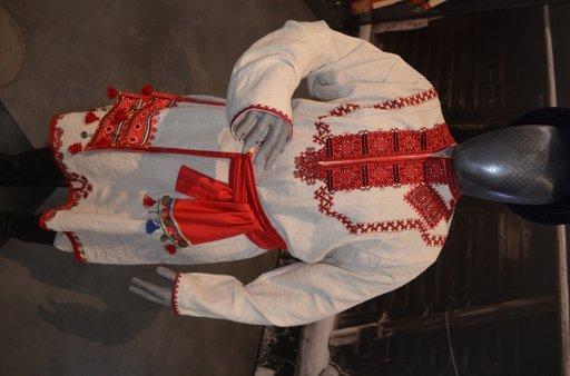 Suomalais-ugrilaisen kulttuurin näyttely pukuineen on laajempi kuin missään.