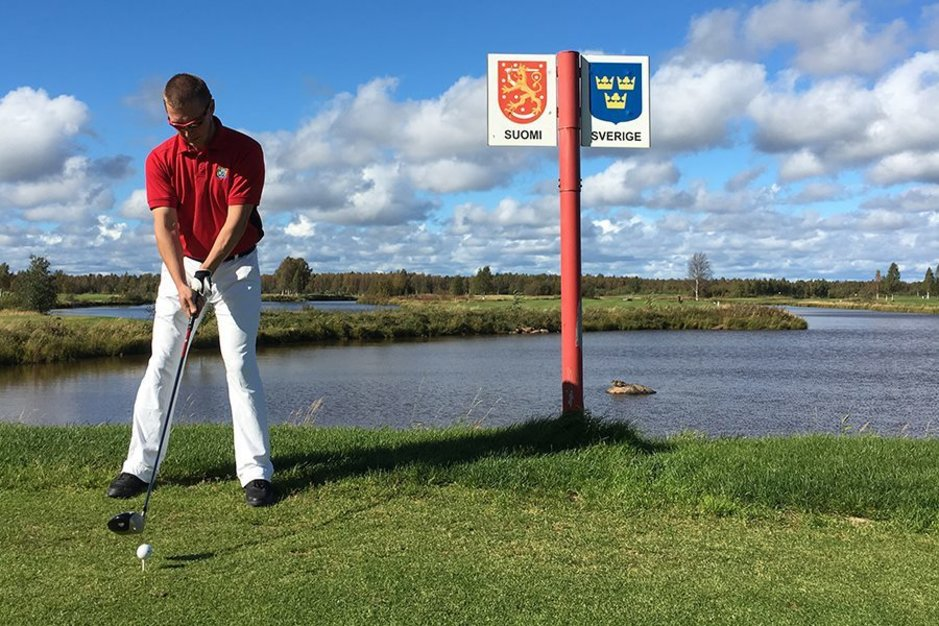 Golfia pelataan kahdessa maassa samanaikaisesti,