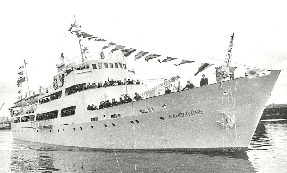 Vanemuine lähtemässä ensimmäiselle matkalle Tallinnan satamasta. (Kuva: Estonian Maritime Museum)