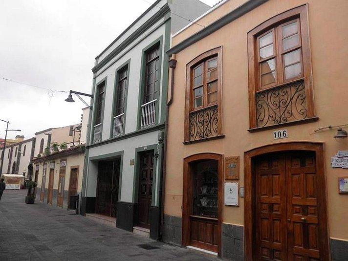 Värikkäät talot, autiot kadut -<br /> TENERIFFAN La Laguna