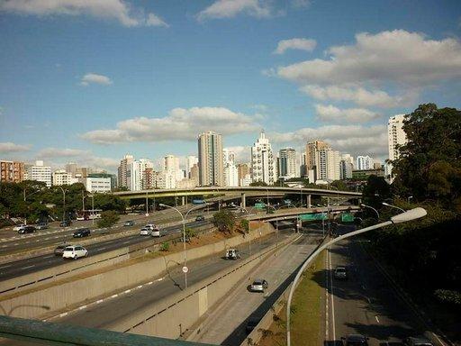 Kaupunkikuvaa Liberdadesta