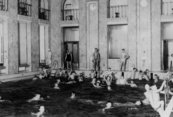 Legendaariset hemmottelupäivät<br /> Yrjönkadun uimahallissa