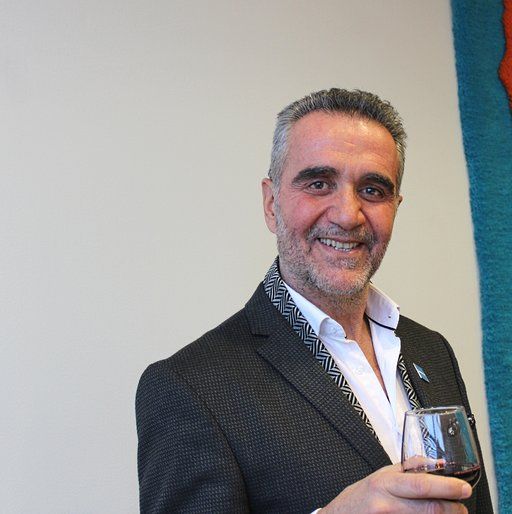 Kreikan korkein matkailuviranomainen, valtion matkailutoimiston toimitusjohtaja Babis Karimalis oli tyytyväinen nähtyään miten suomalaiset täyttivät Messukeskuksen ja kansoittivat Kreikan osaston.