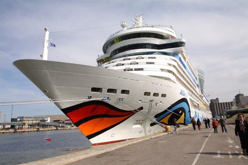 Helsinkiin vähemmän laivoja, mutta<br /> ennätysmäärää risteilyvieraita