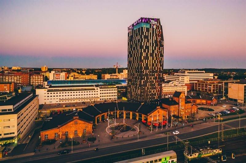 Suomen korkeimman hotellin kattoterassilta on huikeat näköalat yli Tampereen.Kuva: Aki Rask