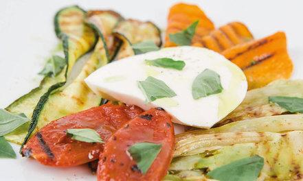 Mozzarellaa & grillattuja kasviksia #1