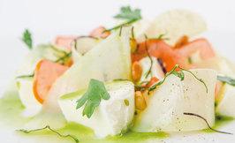 Pestoinen Mozzarella-perunasalaatti